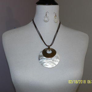 Shell with Bronze Circle Necklace and Earrings